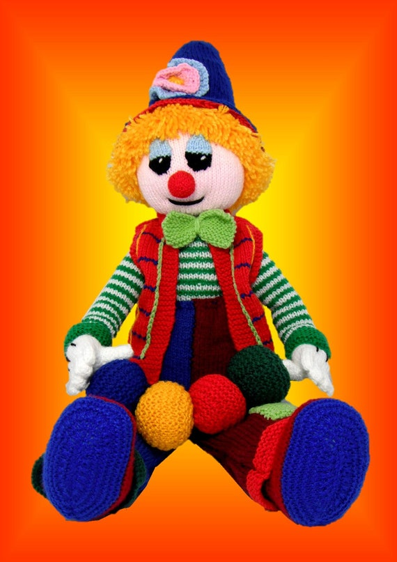 Clarry the Clown - a unique and original knitting pattern in PDF format