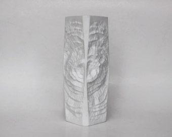 AK Kaiser White Vase Matte Porcelain Fossil Ammonite 1970s Op Art Relief