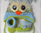 New baby gift Owl set hat and booties