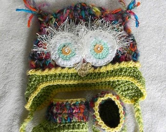 New baby gift set Owl- hat and booties boy or girl