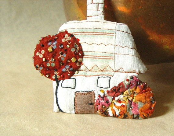 LITTLE WHITE HOUSE, Textile Ornament, Home Decor, Quilted Beaded, Fabric House