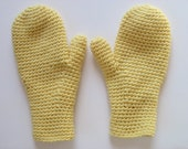 wool/mohair mittens pale yellow