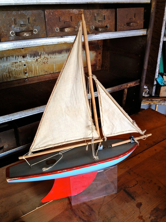 To Sail The Seas On This Vintage Star Yacht Sail Boat Would Be Tricky At My Size