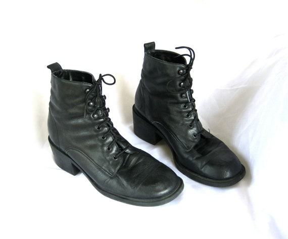 """90s black ankle boots 7.5 - 8 / pixie witch 2"""" chunky heel leather boots"""