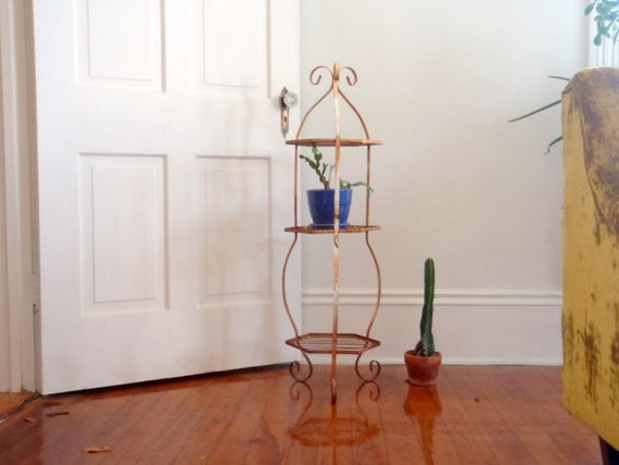 Plant Stand Antique Rustic Garden Decration Metal Shelf