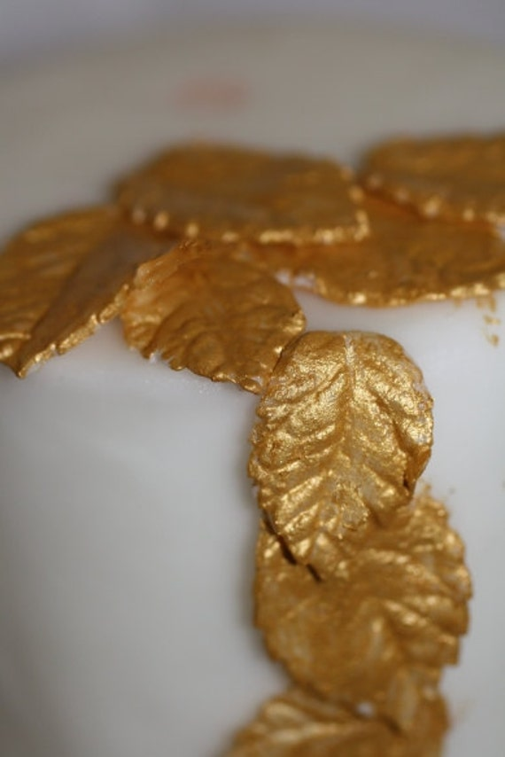 Cake Decorating Gold Leaf : 12 Gumpaste gold leaves for cake decorating by ACakeToRemember