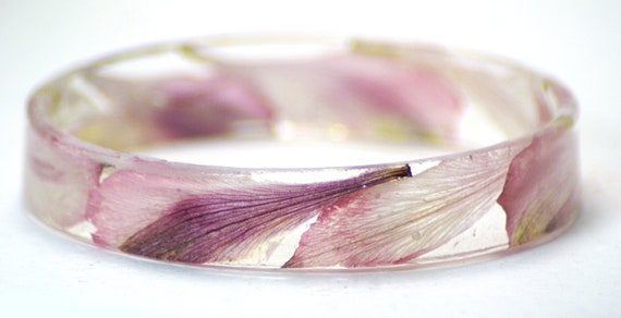 Pink Bracelet- Resin Bangle- Real Flower Jewelry- Flower Bracelet- Resin Jewelry- Real Dried Flowers- Pink Petals