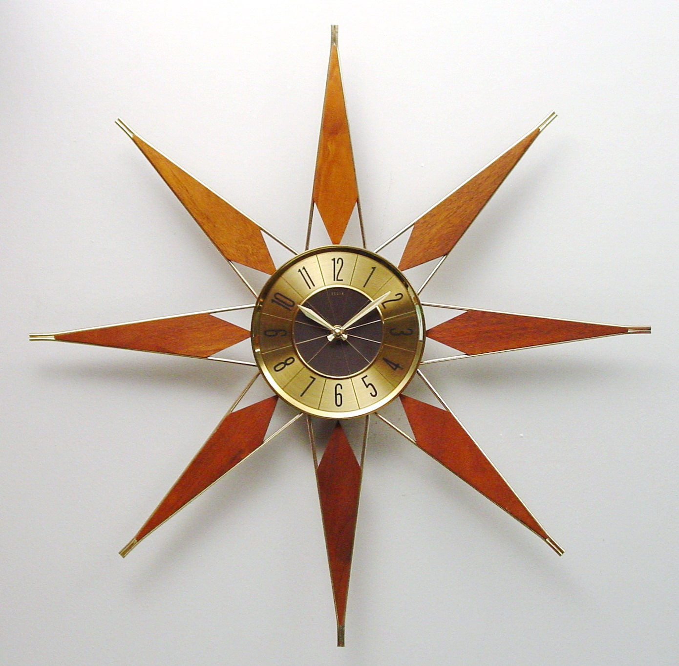 Mid Century Modern Starburst Clock By Elgin Atomic Wall