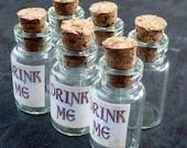 25PCS Wholesale Lot Steampunk Alice in Wonderland necklace pendant charm Drink me bottle vial 1ml 96 antique silver bronze brass