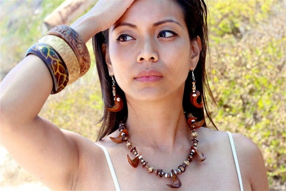 TRIBAL OCEANIA Seed & Bead Necklace