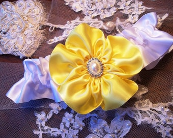 Yellow Wedding Garter, Bridal Garter Belt in Yellow and White with a Wild Rose and pearl center -Bridal Garter with Five Petal Rose Flower