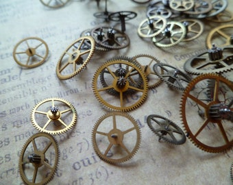 5 Vintage Extra Small Gears