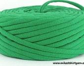 T Shirt Yarn Recycled Kelly Green 42 Yards Super Bulky Crafting Cord