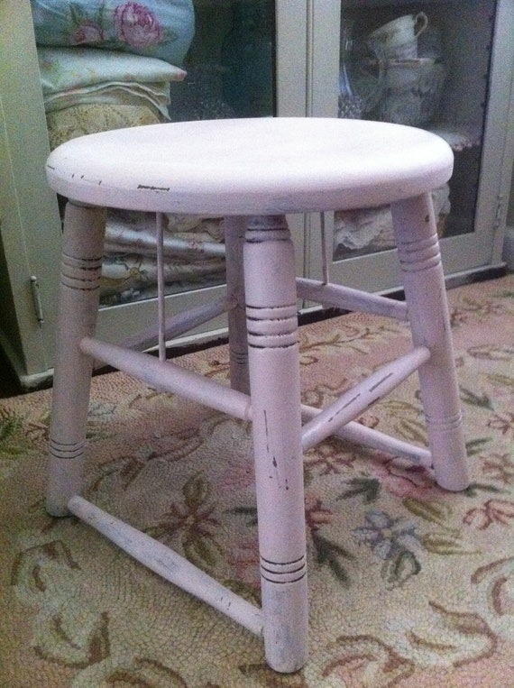 Vintage Pale Pink chippy paint Wooden step Stool - Shabby Chic - Cottage Chic - Paris Apt. - French Market - Farmhouse Chic