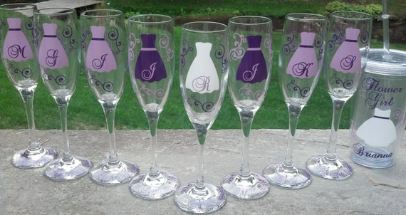 Bride and Bridesmaids champagne glasses, Personalized set of 8 wedding flutes. Purple, plum, lilac color scheme. Maid of honor, Matron gift