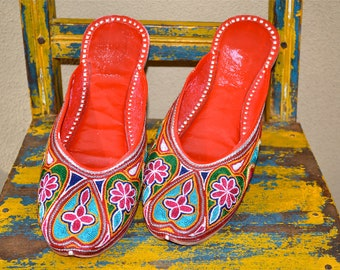 vtg NOS easterm colorful EMBROIDERED heart Bohemian flats size 10 or euro 41