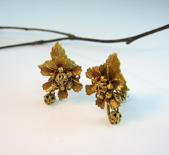 Vintage Stanley Hagler Russian Gold Plated Earrings Ear Clips Flower and Leaf Tiny Dangles