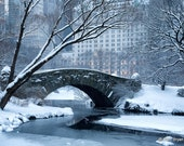 Gapstow Bridge in Snow