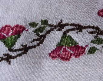 Small  Vintage embroidered Tablecloth