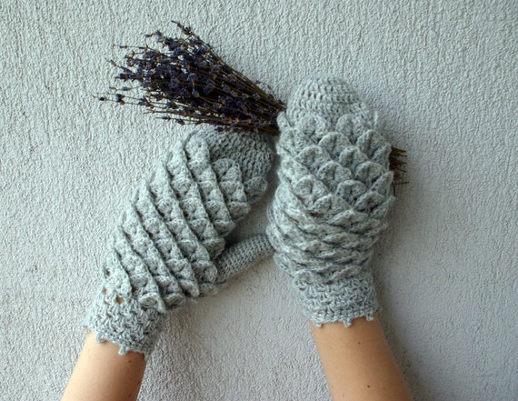 White Women mittens light grey crochet crocodile stitch gloves Ready to ship.