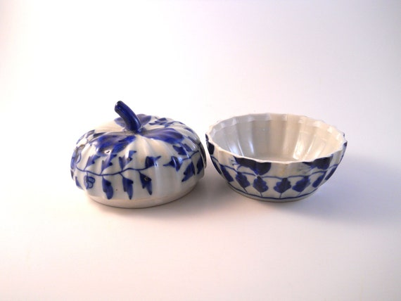 Porcelain Blue and White Pumpkin Box with lid