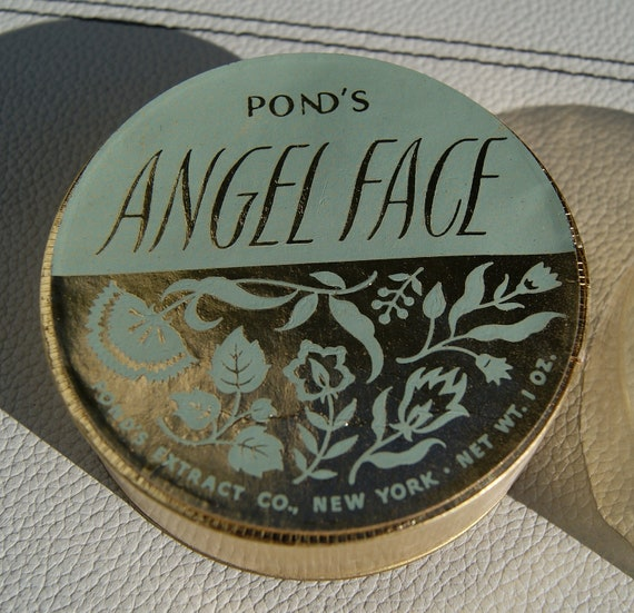 vintage retro 1940s 1950s powder box by pond 39 s angel face. Black Bedroom Furniture Sets. Home Design Ideas