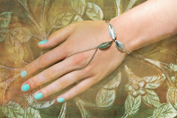 Feathering Silver Ring Bracelet