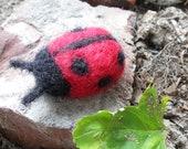 Felt Ladybug / Waldorf Needle Felted Wool Miniature Animal / Red Ladybird Figurine / Cute Bug Toy / Nature Table Summer Decoration
