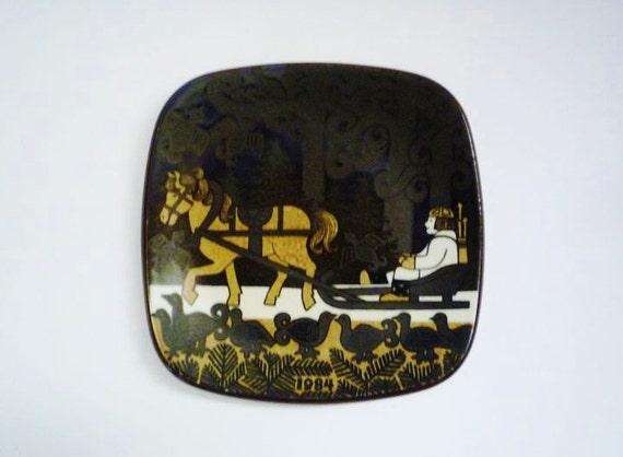 Vintage Arabia Finland Wall Plate Kalevala Series 1984
