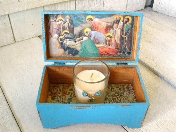 Small prayer box shrine aquamarine Christ icon Giotto
