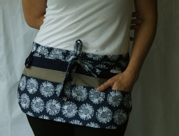 Utility Apron with 8 pockets and hook in Navy blue, white and taupe