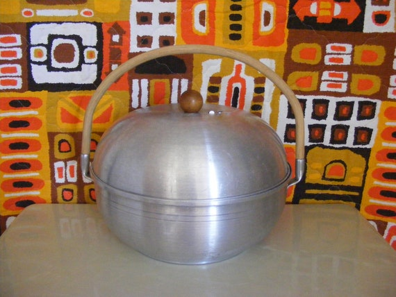 50s Mirro Aluminum Bun Warmer or Steamer Pot