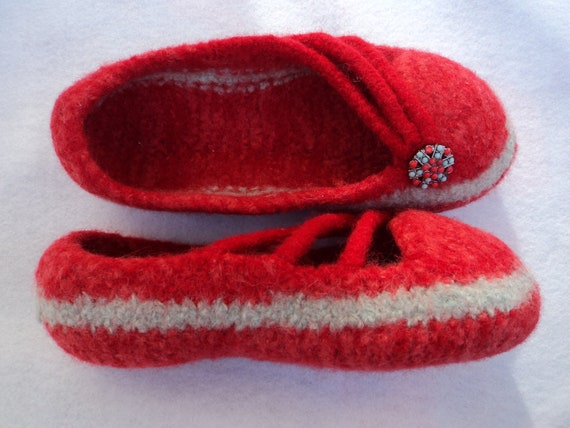 Knitting Pattern For Wool Slippers : PDF I-Cord Slippers for Women Felted Wool Knitting Pattern