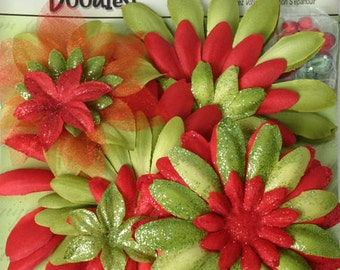 fabric flowers - Daisy Value Pack 25 pieces - 1292-002 - assorted  Red and Green - Christmas Holiday