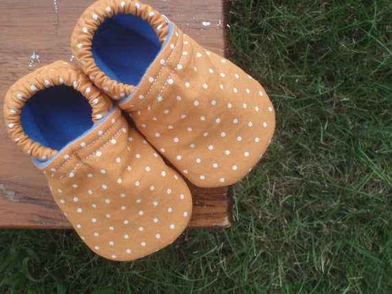 LAST PAIR - Baby Shoes for Boys or Girls - Pumpkin Orange with White Polka-Dots - 0-3 or 3-6 months only