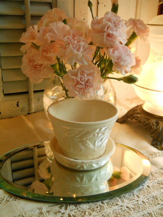 Vintage White McCoy Flower Pot/ Planter Home Decor Shabby Cottage Farmhouse Prairie Decor Antiques