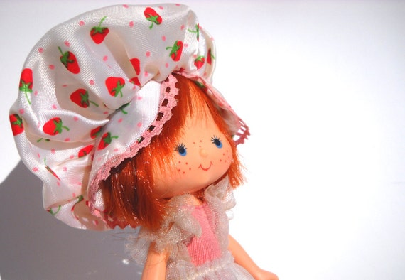Dancing Strawberry Shortcake Doll: 1980s Toy