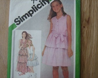 Simplicity Pattern 9934 Girls' Pullover Dress In Two Lengths     1981    Uncut