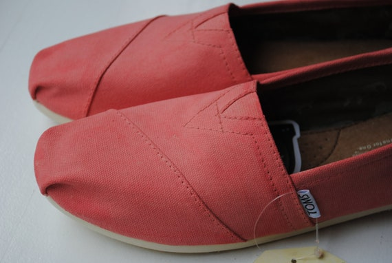 READY TO SHIP - Womens Size 8.5 - Custom Hand Painted Toms in Coral