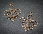 75% off  12 Breast Cancer awareness charm fleur di lis Vintage Style Antique Bronze Altered Art  finding-