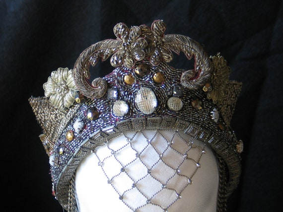 Fantasy Hand Made beaded embroidered Medieval Queen Princess Fairy Renaissance Belly Dance headpiece Crown Hat