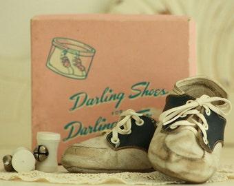 Children's Collectible - Baby Shoes - Vintage Saddle Oxfords - Original Shoe Box - Photo Prop