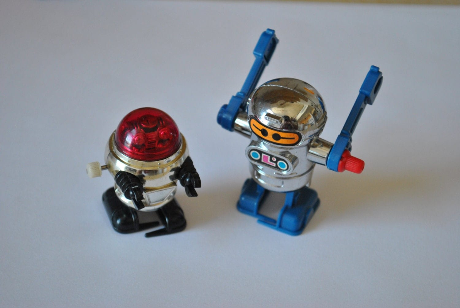 Pair Of Vintage 1970s Tomy Wind Up Robot Toys