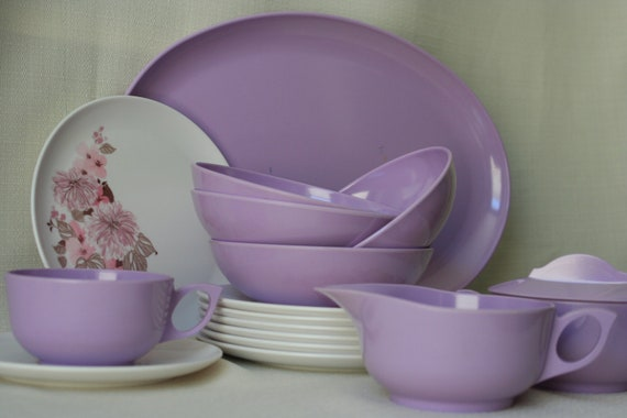 Miss Ruthies on Etsy has this great purple melmac set