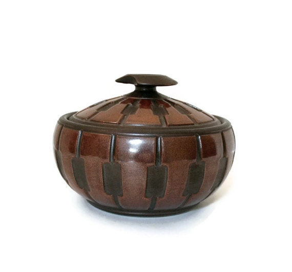 modernist pottery bowl with lid