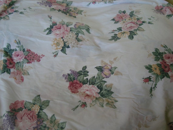 Lavender And Pink Flat Twin Sheet With Pink Cabbage Roses Lilacs