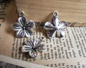 10pcs 20mm The Flower  Silver color Retro Pendant Charm For Jewelry Pendant B229