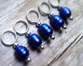 Stitch Markers // Knitting Markers // Snagless // Freshwater Pearl // Royal Blue // Set of 5