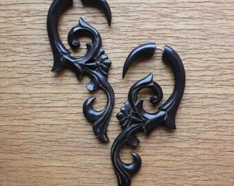 Hand Carved Fake Gauge Earrings - HANYA Floral Curls - Natural Black Horn
