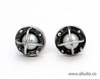 BOND TOGETHER steampunk oxidised silver pearl earring stud / post